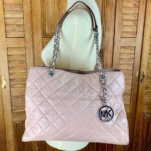 MICHAEL KORS BLUSH BAG!